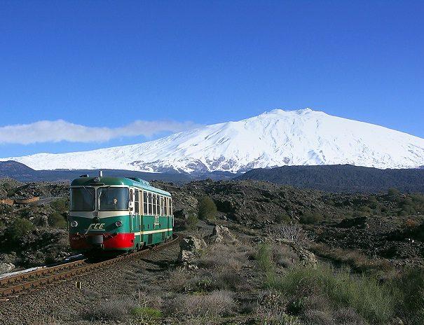 Etna, si conclude dopo mezzogiorno la fase eruttiva da Sud est