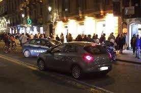 Catania, straniero va in escandescenza e sferra calci e pugni ai poliziotti