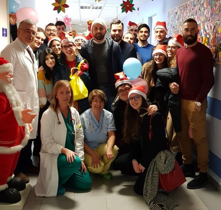 Vittoria, visita dell'Associazione Evviva ai bambini ricoverati in ospedale