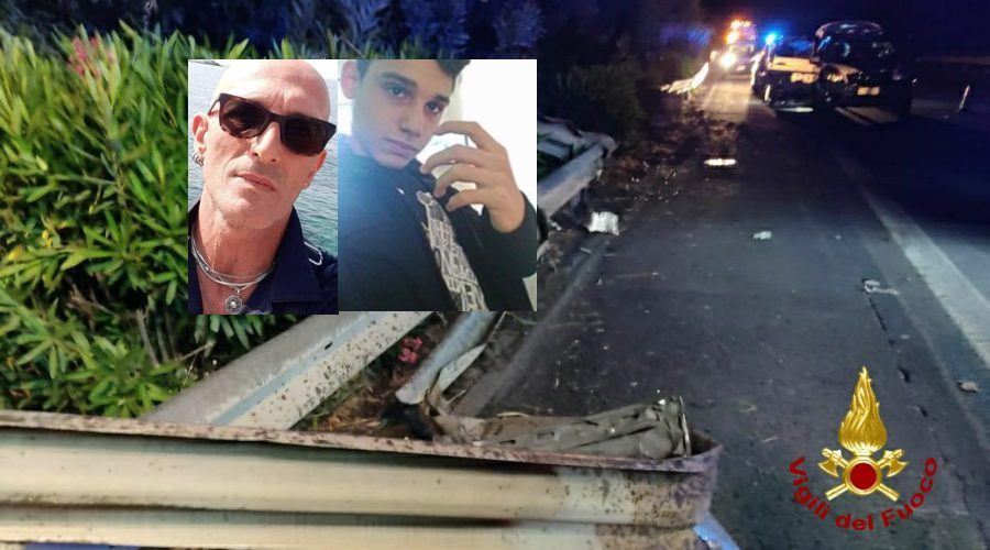 Scontro tra due auto sulla  A18 Catania - Messina: morti padre e figlio e 4 feriti