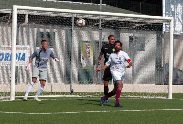 Calcio, Eccellenza, il Rosolini fermato in casa: il Giarre pareggia ( 1 - 1)
