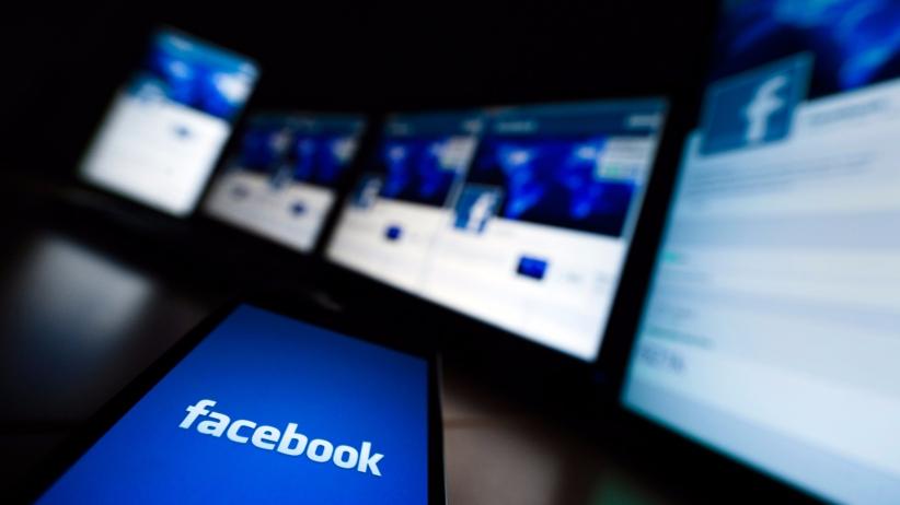 Francofonte, insulti ai carabinieri su Facebook: tre giovani denunciati