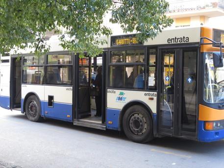 Palermo, falsi ticket dei bus Amat: dodici persone indagate