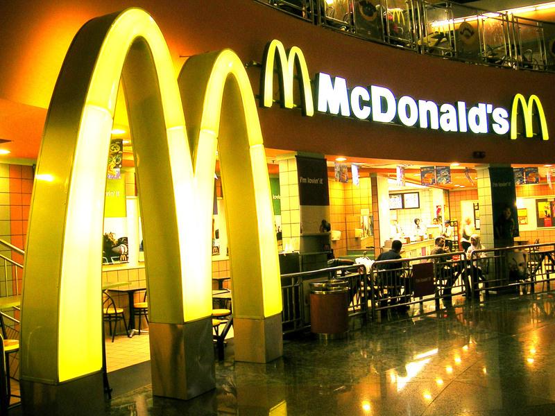 'Fame' di lavoro, mille in corsa per 30 posti al McDonald's di Enna
