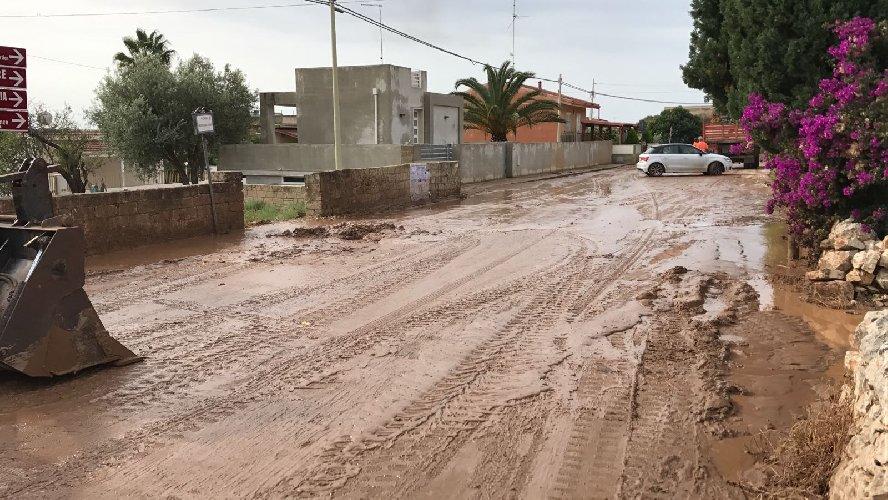 Modica, strada invasa dal fango a Marina: denunciati proprietari di terreni vicini