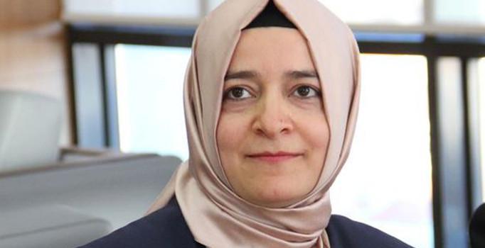 Ministra turca scortata da autorità olandesi al confine con la Germania