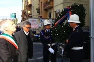 Catania,  corona d'alloro  sulla lapide per ricordare  Pippo Fava