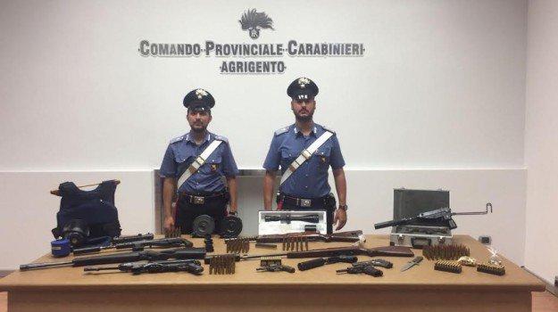 Armi: arsenale scoperto nell'Agrigentino, arrestato un infermiere