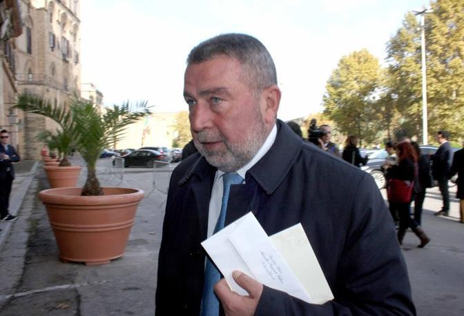 Elezioni Trapani, ''operazione mare mostrum'': arrestato l'ex sindaco e candidato Girolamo Fazio