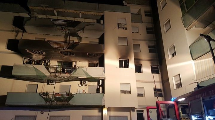 Siracusa, esplosione in un'abitazione: notte di paura a Mazzarrona