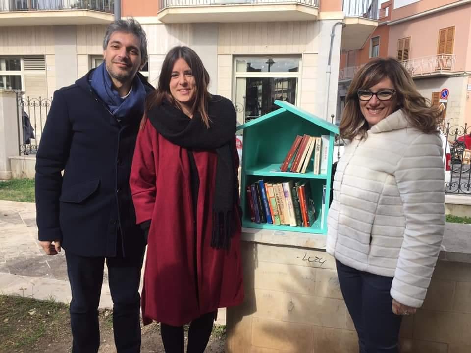 """BookSharing ad Avola, inaugurato a piazza Trieste """"Libri liberi"""""""