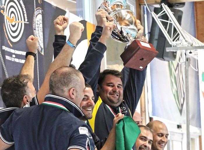 La Syraco Sub conqusita la Coppa del mondo e la dedica alla memoria di Enzo Maiorca