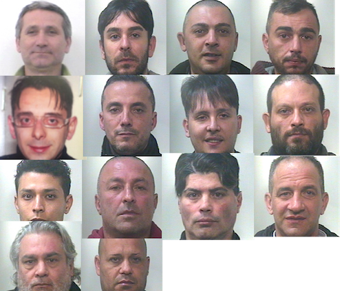 Il chiosco centrale di spaccio a Catania, scattano 16 arresti