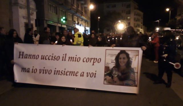 Uccisa a Marsala, tremila in strada alla fiaccolata per Nicoletta