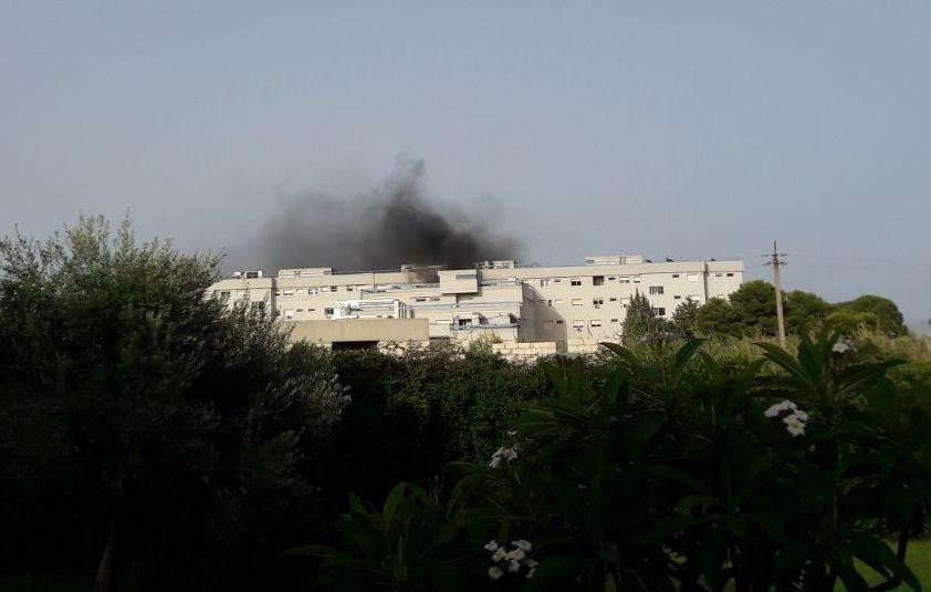 Avola, principio d'incendio all'ospedale Di Maria: paura tra i pazienti