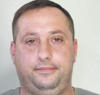 Droga, beccato a spacciare tenta la fuga: arrestato a Catania