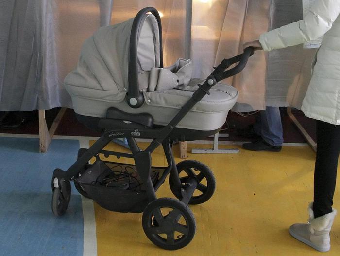 Roma, litiga con la compagna e porta via figlio di 2 mesi: ricerche anche con l'elicottero