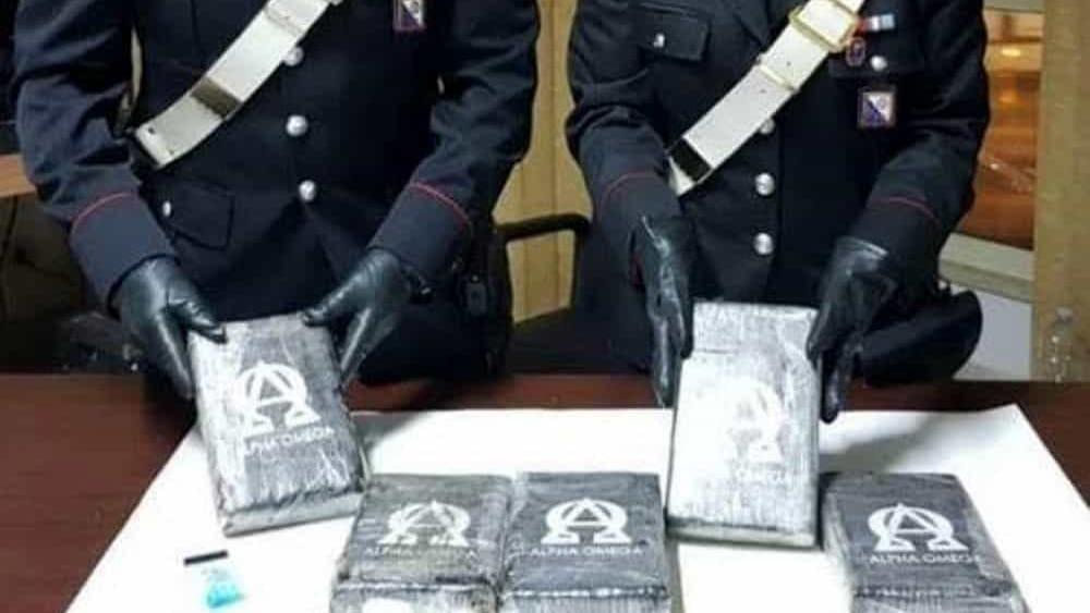 Trasportavano 5 chili di cocaina: 2 di Acireale presi a Villa San Giovanni