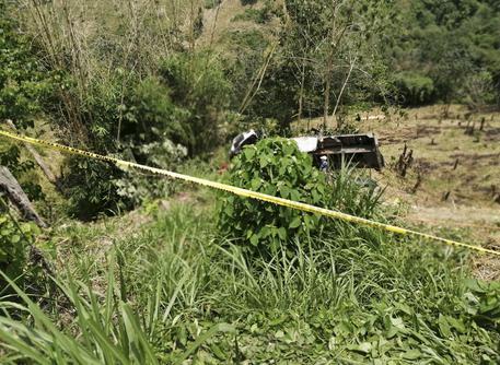 Camion finisce in un burrone nelle Filippine, almeno 19 morti e 22 feriti