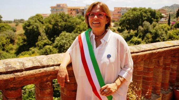 Rifiuti, appalti pilotati: arrestati sindaca e imprenditori in Calabria