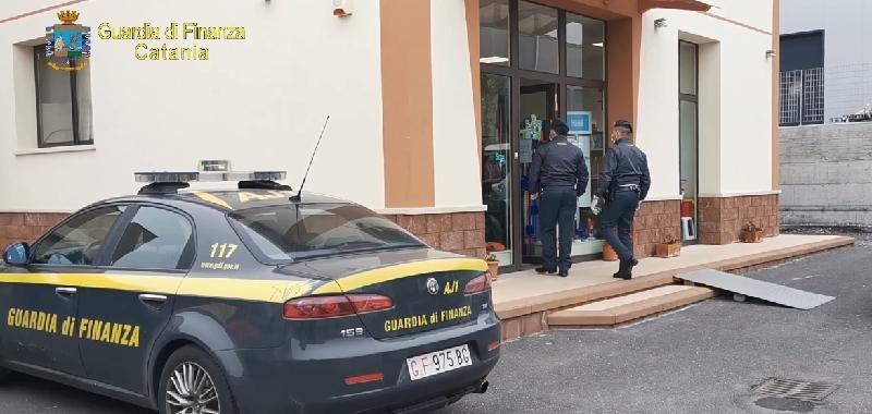 Covid, a Catania la Finanza sequestra 30mila mascherine per bambini