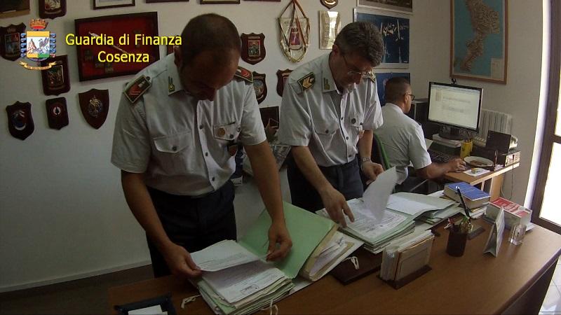 Denunciato evasore totale a Cosenza: redditi per 300 mila euro