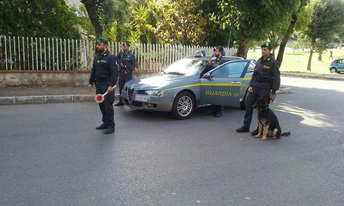 Reggio Calabria, arrestati due giovani per spaccio di droga