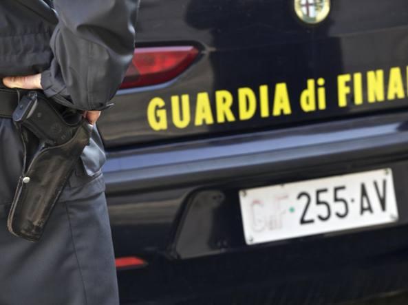 Truffe: aziende fallite e falsi dipendenti, 9 arresti, raggiri per 7,5 mln