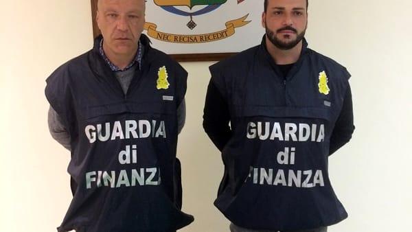 Da Salerno a Catania con una pistola e un coltello: adranita arrestato