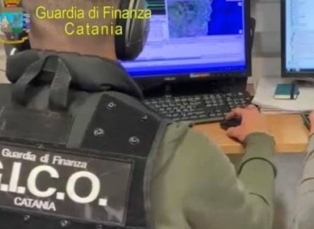 Narcotraffico a Catania, sequestrati 406 chili di cocaina: 7 arresti