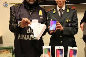 Pachino, la Finanza scopre evasione per 3 milioni su vendita telefonini