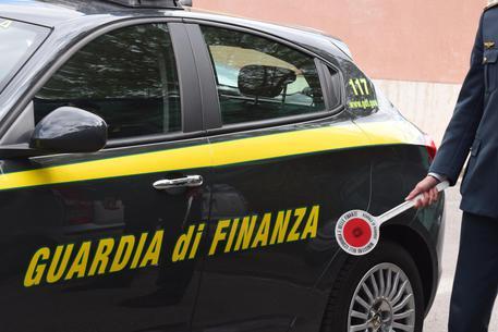 Fisco, non versano la tassa di soggiorno: sequestri nel Napoletano