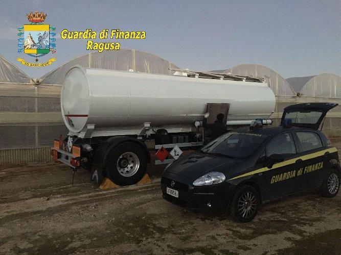 Impianto abusivo, sequestrati 6 mila litri di gasolio a Scicli