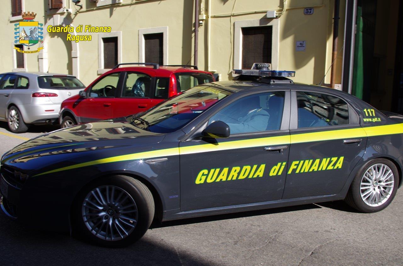 Centinaia di F24 truccati, una commercialista arrestata a Ragusa