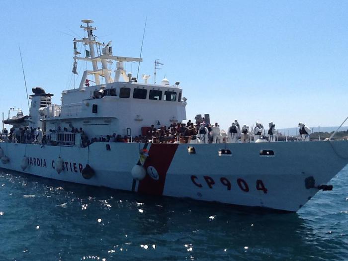 Migranti, l'onda lunga non si ferma: arrivi a Catania e Pozzallo