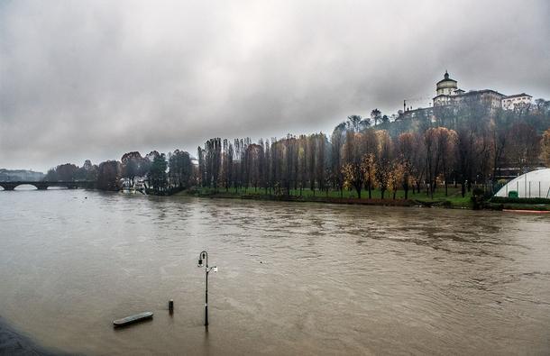 Maltempo: il Po sale di 2 metri in 24 ore, allerta fiumi