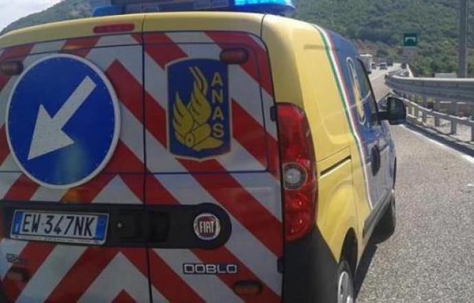 Salta giunto viadotto della Palermo - Catania: disagi