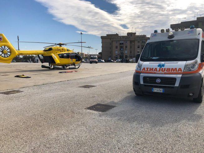 Donna colta da malore a Floridia: l'ambulanza non c'è e arriva l'elisoccorso