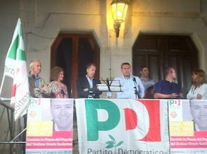 """Floridia, l'assessora Faraci diventa """"reporter"""" per il comizio del sindaco"""