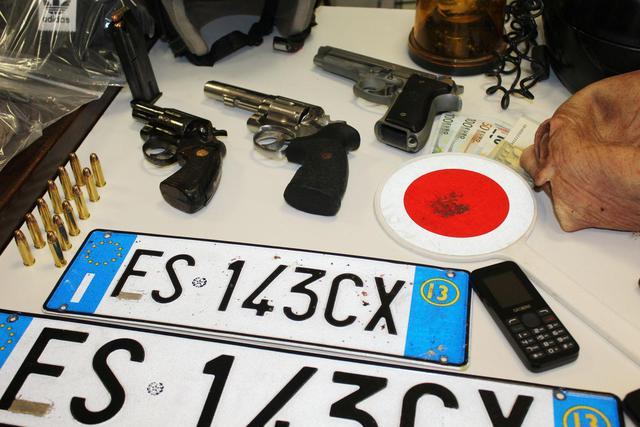 Erano pronti per compiere un agguato: quattro arresti nel Foggiano