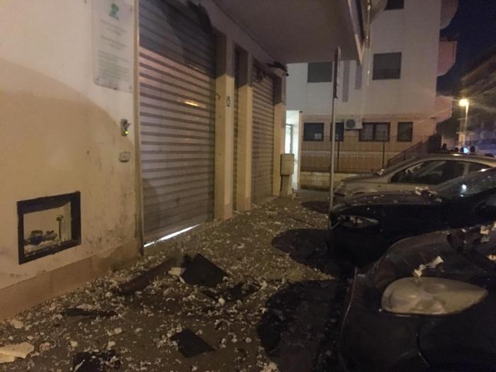 """Fatta esplodere una bomba a Foggia al Centro anziani """"Sanità più"""""""