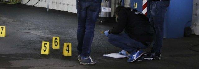 Sparatoria a Napoli, uomo ferito con 3 proiettili in un agguato