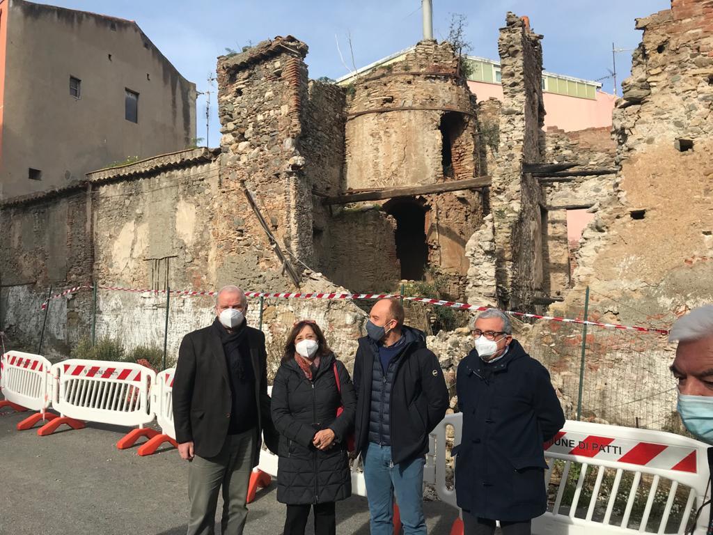 Beni Culturali, sopralluogo dell'assessore  Samonà all'antica Fornace di Patti