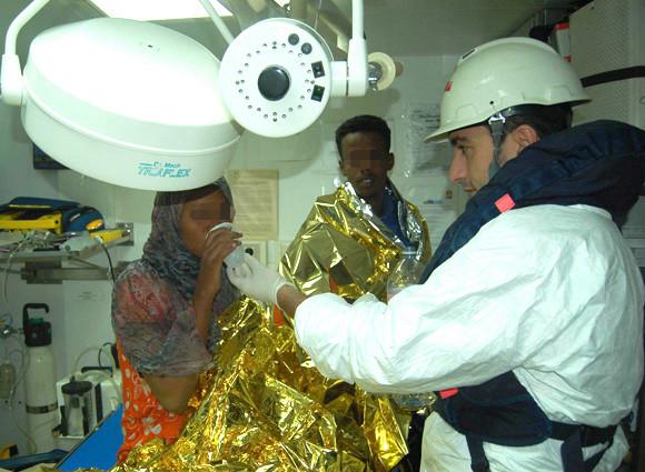 Migranti, a  Pozzallo la nave dei bambini :a bordo neonato morto