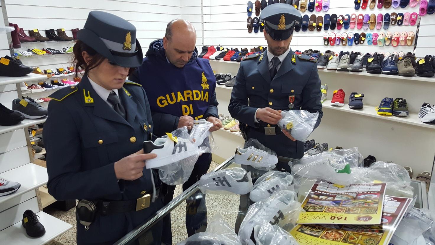 Contraffazione, oltre 400 mila prodotti sequestrati nel Ragusano