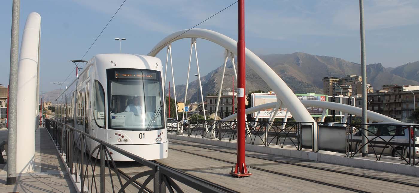 Tram a Palermo, l'assessore Catania lascia fuori la Cisl: è polemica