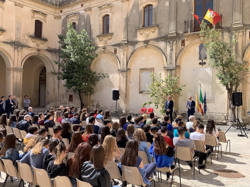 Riapre la sede storica dell'Istituto Magistrale Matteo Raeli di Noto