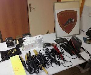 Siracusa, rubano apparecchiature da parrucchiere: 3 arresti