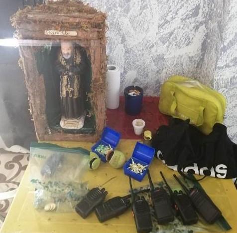 Siracusa, la droga nelle palline da tennis e tra le statuette di San Pio: un altro maxi sequestro di stupefacenti