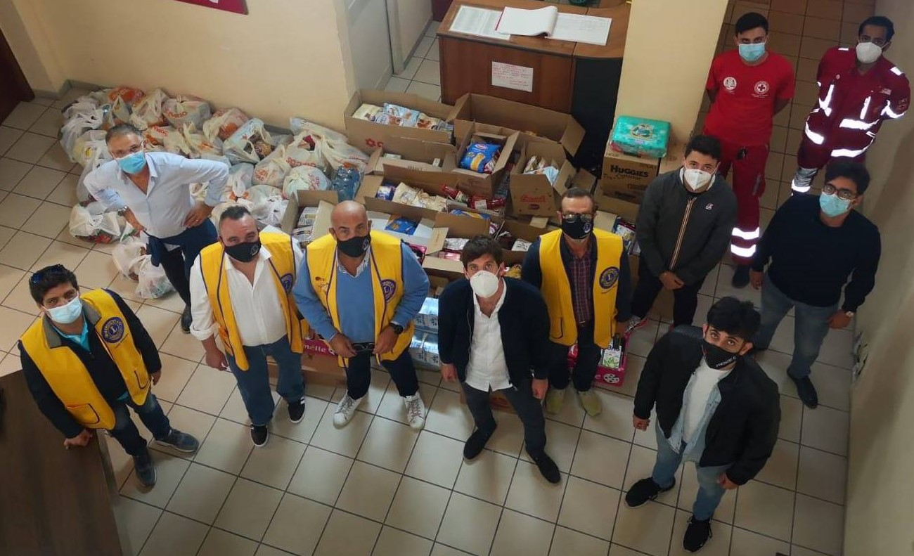 Lions Club, 20 tonnellate di generi alimentari alle famiglie bisognose siciliane